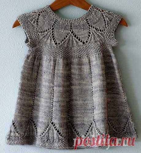 поиск на постиле платье спицами на 1 год
