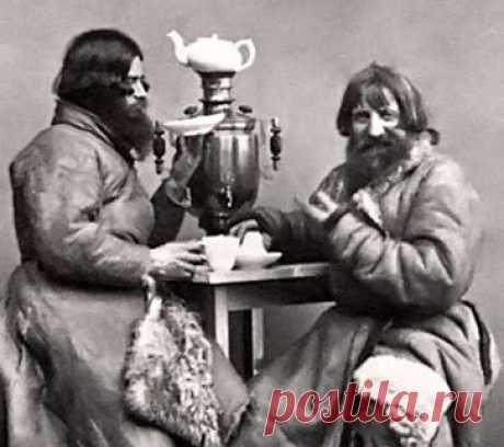 Почему воду для чая нельзя кипятить Звук свистка на чайнике, клубы пара из носика, кипящую воду заливаем в заварной чайник, ждем 10–15 минут – можно пить чай.