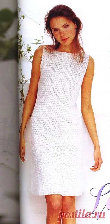 Классическое белое платье Маттина плотным узором крючком – схема вязания - Пошивчик одежды Очаровательное белое платье Маттина очень порадует тех, кто хочет связать себе платье крючком, но не хочет носить с подкладом. Это как раз тот вариант. Модель