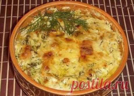 Как приготовить картошка с курицей и грибами под соусом в глиняных горшочках - рецепт, ингредиенты и фотографии