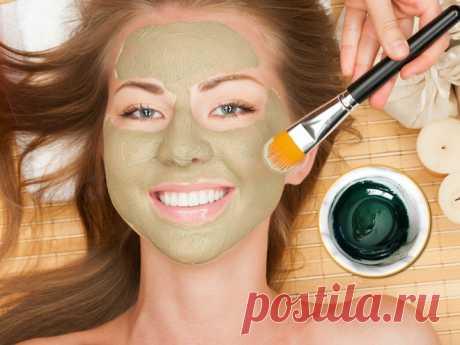 Делаем домашнюю маску для лица из спирулины С возрастом на лице появляются мимические морщинки. Они могут быть даже у молоденьких девушек. Не огорчайтесь! Ведь есть природное средство, повышающее тонус кожи.
