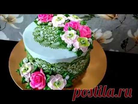 Тортик с фантазийными цветочками . Оформление торта кремом БЗК.