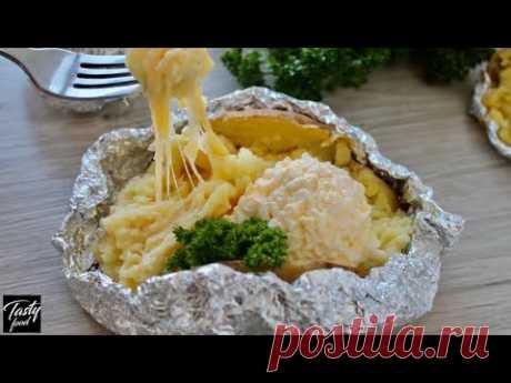 """Блюдо """"Картошка"""", салат крабовый еще."""