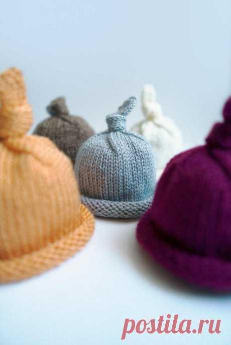 Вяжем сами шапочку для фотосессии малыша и не только   Вязунчик — вяжем вместе   Пульс Mail.ru Хочу рассказать вам про шапочки с узелком. Чаще всего их используют для забавных фотографий новорожденных.