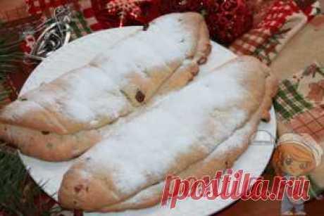 Рождественский штоллен без дрожжей. Рецепт немецкого штоллена В составе штоллена много цукатов, сухофруктов и масла. Можно испечь десерт без дрожжей на творожном тесте. Получится очень нежно и вкусно. Штоллен без дрожжей
