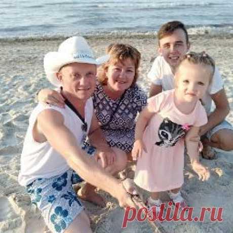 Елена Жолобова