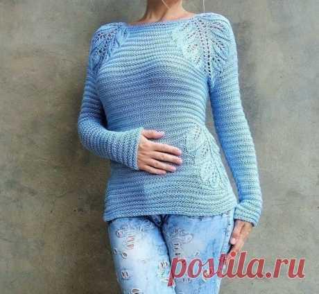 Оригинальный пуловер с узором листьями Оригинальный пуловер с узором листьями смотрится очень эффектно за счет простого узора и красивых акцентов листьями.
