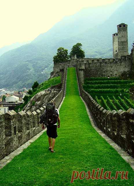 Изучаем замки. Беллинцона, Швейцария