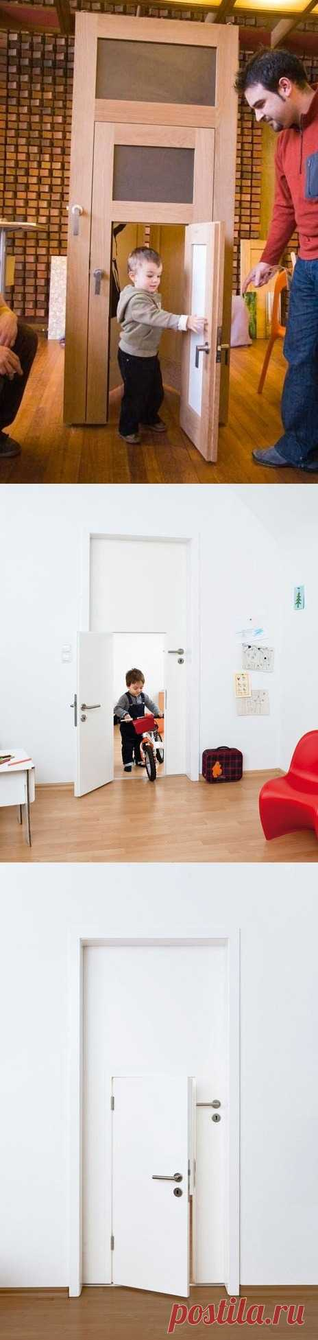La puerta en el cuarto para niños.