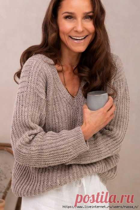 Пуловер Evening Delight от дизайнера Sari Nordlund, вяжется круговыми рядами сверху вниз полупатентной резинкой