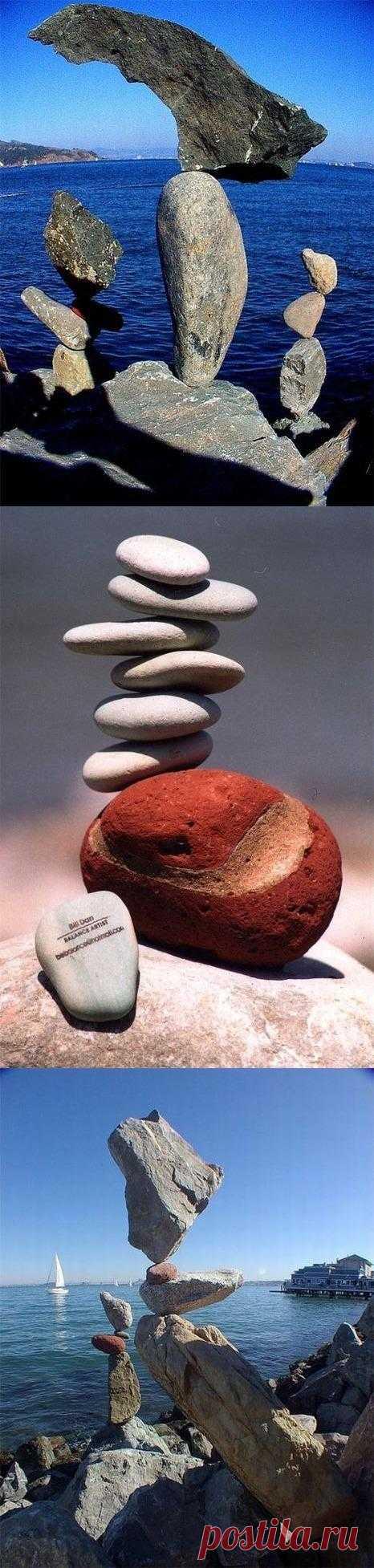 Простота и гармония – основа направления rock balance в современном искусстве. Увидеть другие невероятные работы так называемых художников камней и баланса можно по ссылке в посте