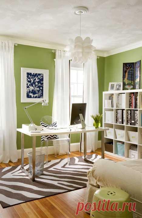 Зелень на стенах