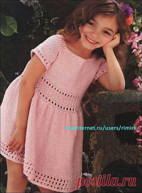Розовое платье для маленькой принцессы (спицы). Модель из журнала Knit Simple с описанием на русском языке.