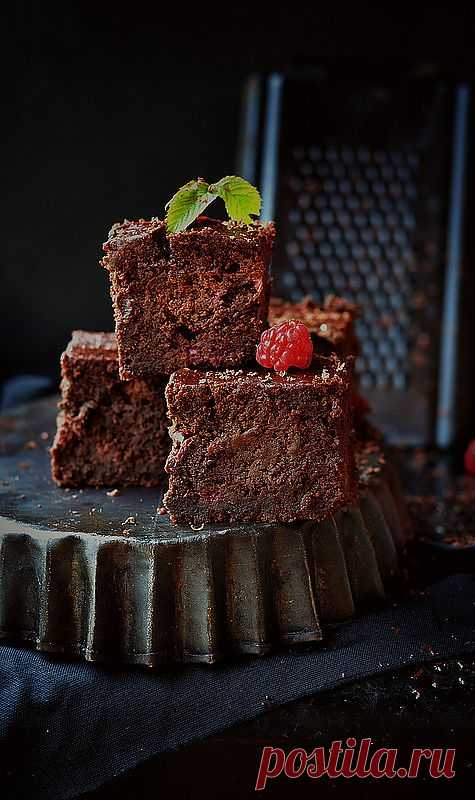 Шоколадно-пивные брауни с малиной!