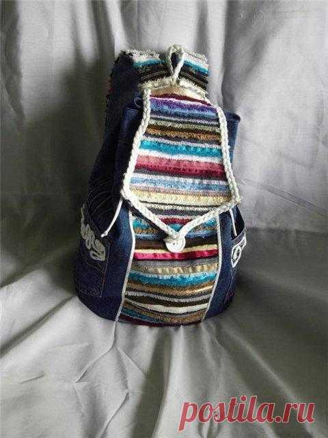 Шьем рюкзак из старых джинсов и кромок ткани.