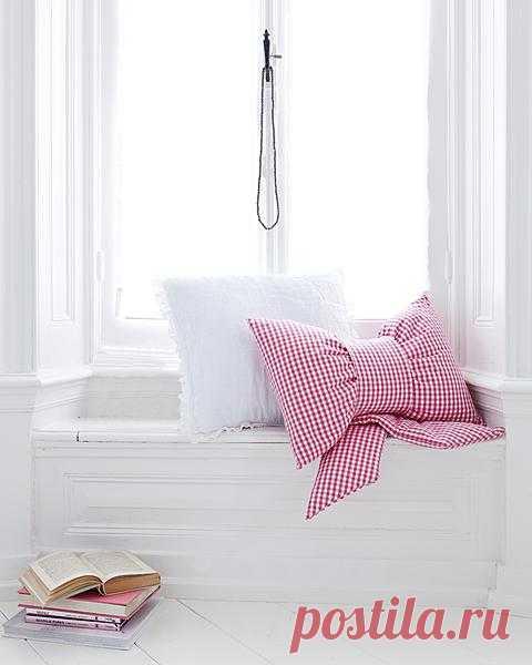 Очаровательная подушка-бантик! (Описание по клику на картинку).