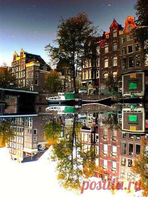 Находясь в этом городе, вспомните о том, что город находится на 2 метра ниже уровня моря. Амстердам, Нидерланды