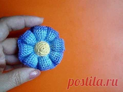 ▶ Knitted flowers the Lesson 37 Free crochet flower pattern - YouTube