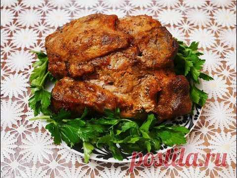 PASTROMA de la carne de cerdo la CARNE en el horno la carne SABROSA TIERNA PERFUMADA la CARNE de cerdo en el horno