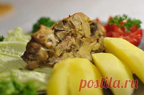 Курица без костей фаршированная грибами http://dom-ozhag.mirtesen.ru/blog/43390742759