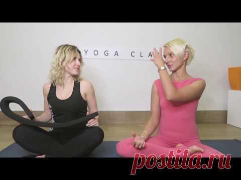 El mejor yoga para la persona con el entrenador mundial