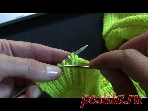 How to close elastic band loops under the ITALIAN set. Needle and thread. Knitting by spokes