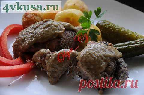 Свиная рулька без кости, тушеная под луковым соусом | 4vkusa.ru