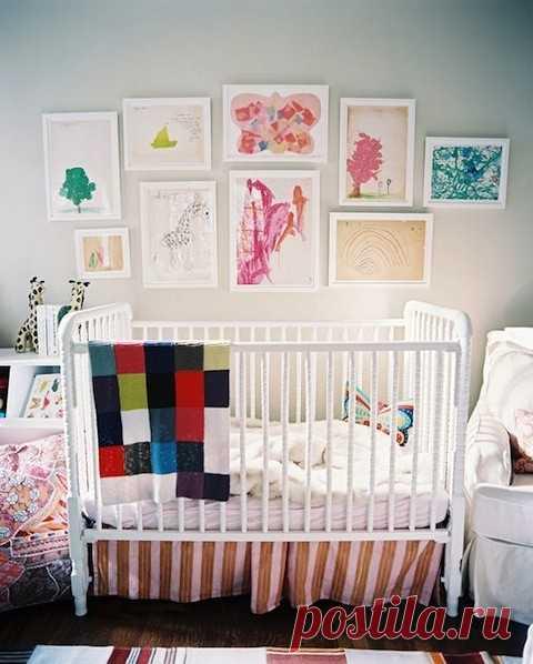 Как приспособить детские рисунки в интерьере комнаты?