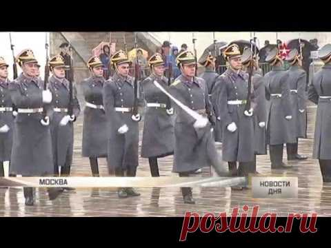 La mujer-oficial chocaba a los espectadores sobre el divorcio de las guardias del regimiento Presidencial