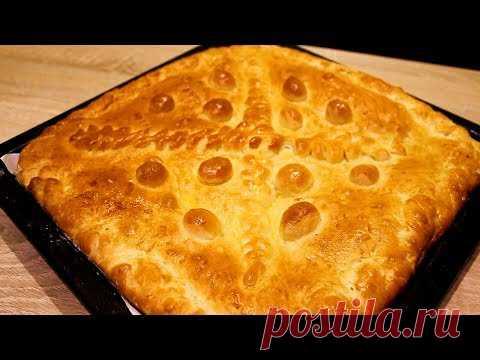 Вкусный дрожжевой пирог. Сдобый пирог с бюджетой начинкой из ливера и рисаИнгредиенты для теста: мука 600 г, вода 330 мл, дрожжи сухие 1 ч. л.,  растопленое сливочное масло 5 ст. л., яйцо 1 шт., соль 2 г, сахар 3 ст.л., растительное масло 1 ст. л. Ингредиенты для начинки: стакан отварного риса, отварное легкое и  печень свиная 400 г, соль и перец по вкусу, луковица крупная, растительное масло 2 ст.л.  Дополнительно берем яйцо для смазывания пирога
