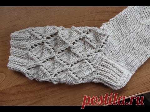 La labor de punto de los calcetines de encajes 3