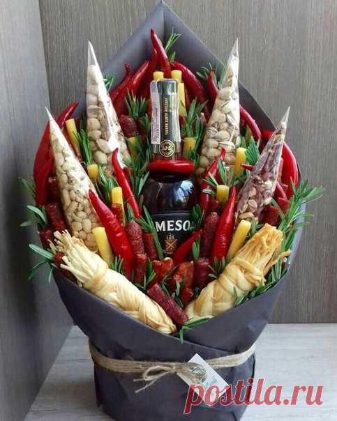 Мужские букеты (подборка) http://secondstreet.ru/blog/flower_diy/muzhskie-buket..  Букеты, которые будет не странно даже в России подарить одному мужчине другому: Читать дальше