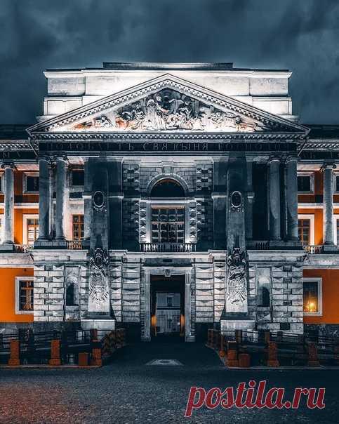 Михайловский замок  Фото: andrei_mikhailov