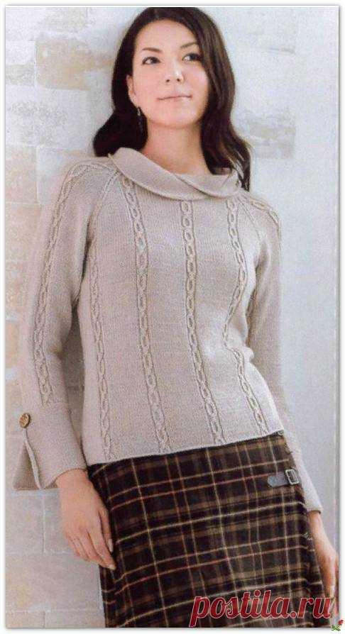Пуловер с воротничком.