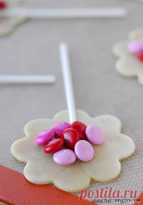 праздничное печенье из слоеного теста