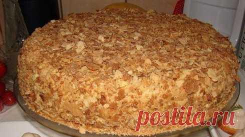 La torta cojonuda Napoleón por el suelo de la hora. Sin alboroto con korzhami... La Idea de esta receta consiste para recibir la torta \