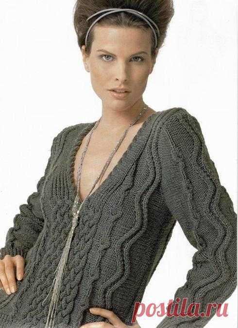 Стильный пуловер c V-образным вырезом | Шкатулочка для рукодельниц