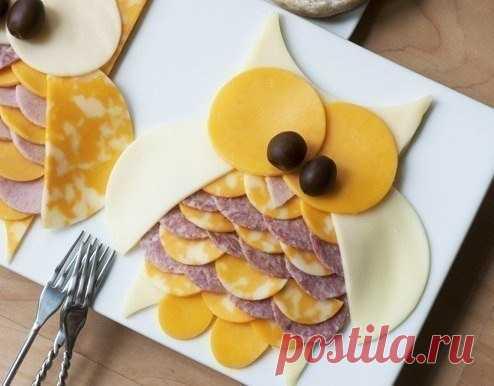 Красивое оформление нарезки сыра и колбасы