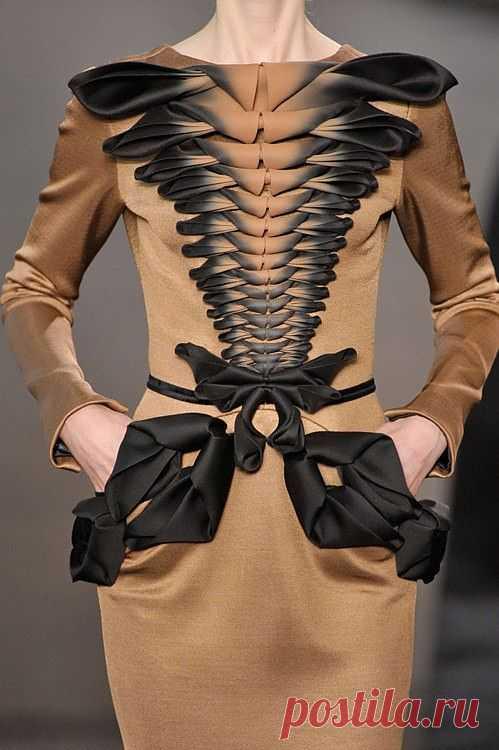 Платье с необычным декором бантами / Декор / Модный сайт о стильной переделке одежды и интерьера