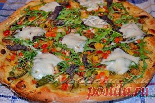 Вегетарианская пицца с овощной начинкой
