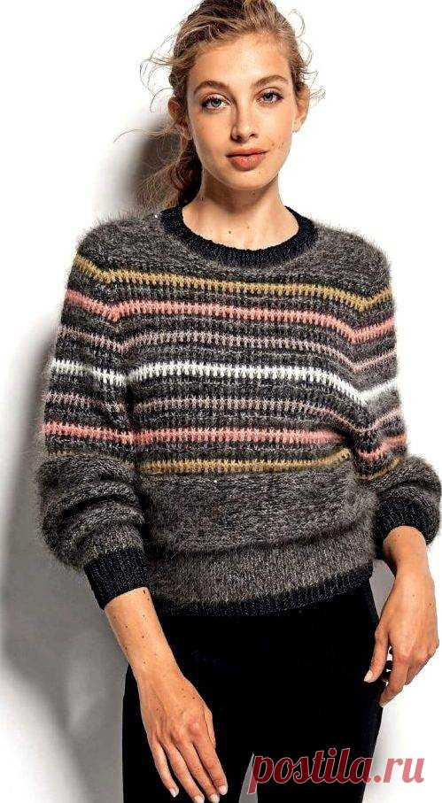 Элегантный полосатый пуловер со снятыми петлями спицами