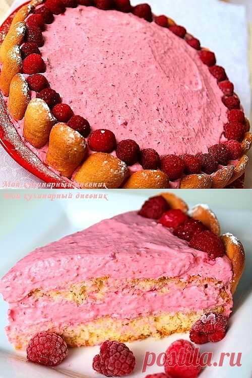 Малиновый торт с бисквитным печеньем.