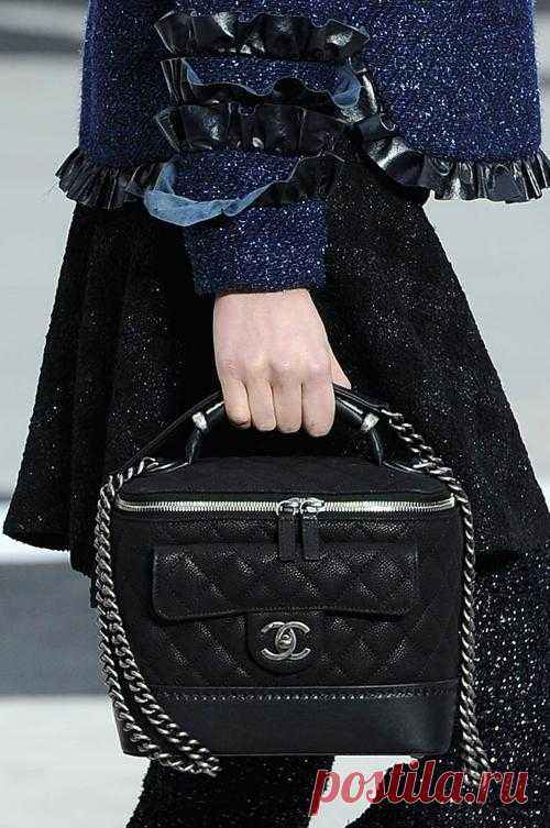 Французская классика созвучная с современностью от дома моды Chanel