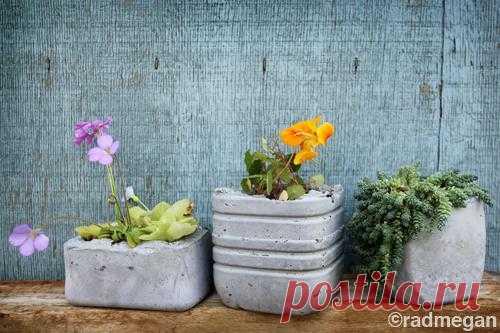 Как сделать своими руками оригинальные горшочки для дачи и сада
