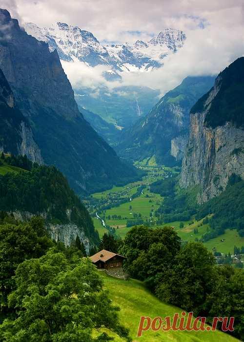 Величественная долина Лаутербруннен, Швейцария
