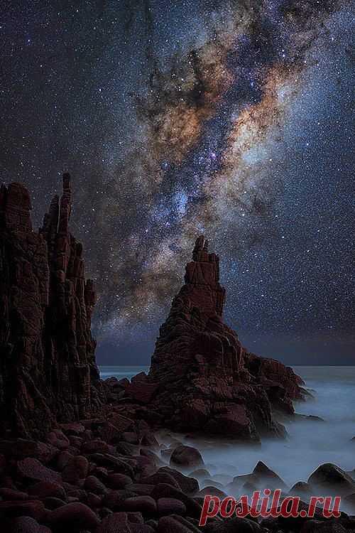 Мыс Вуламай в Австралии на фоне звездного неба