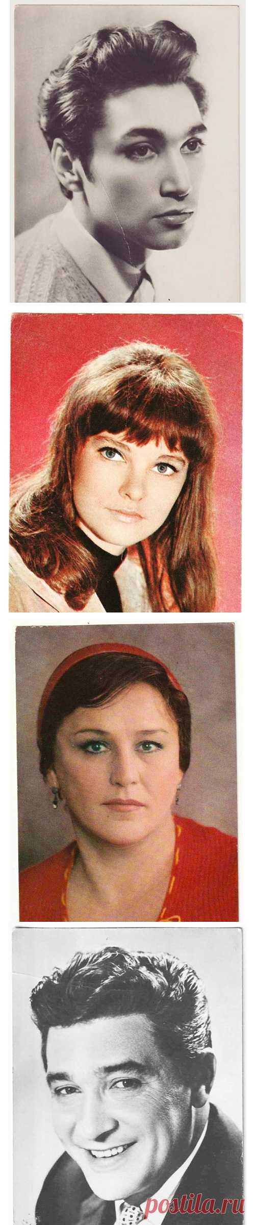 Посмотрите, что я нашел. Почти полсотни отсканированных открыток с советскими звездами театра и кино.