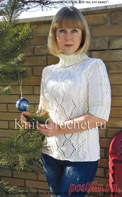 Очень красивый свитерок с рукавом до локтя, укроашенный сочетанием ажура и рельефных полос