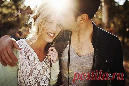Пока женщина заинтересована в мужчине, она не исчезнет. Пока мужчина заинтересован в женщине, он её всегда и везде найдет, даже если она исчезнет.