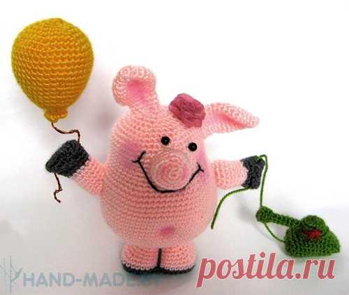 Игрушка крючком «Свинка» с шариком